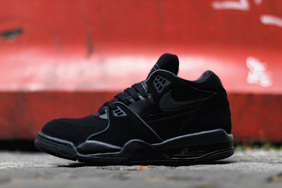 "3d2eb9addf04 The latest to receive the ""Triple Black"" treatment comes way of the Nike  Air Flight  89."