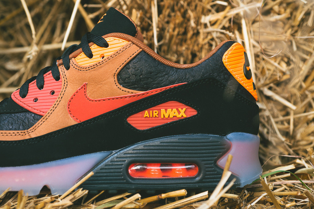 "A Closer Look at the Nike Air Max 90 Ice ""Halloween"" 