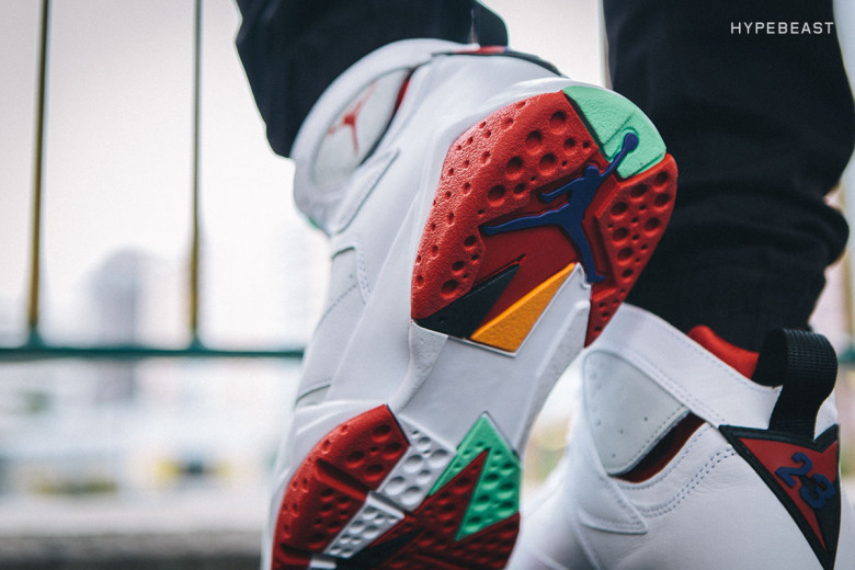 a-closer-look-at-the-air-jordan-7-retro-hare-7