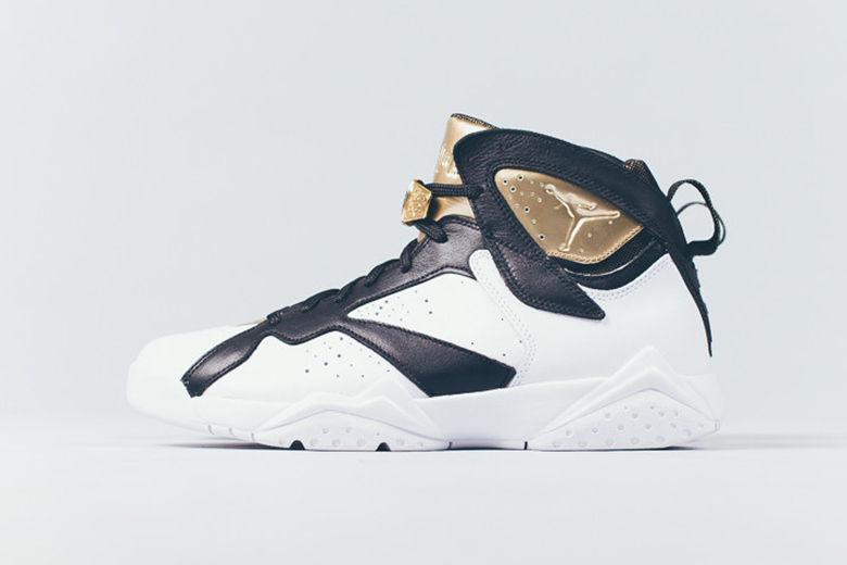 a-closer-look-at-the-air-jordan-7-retro-champagne-1