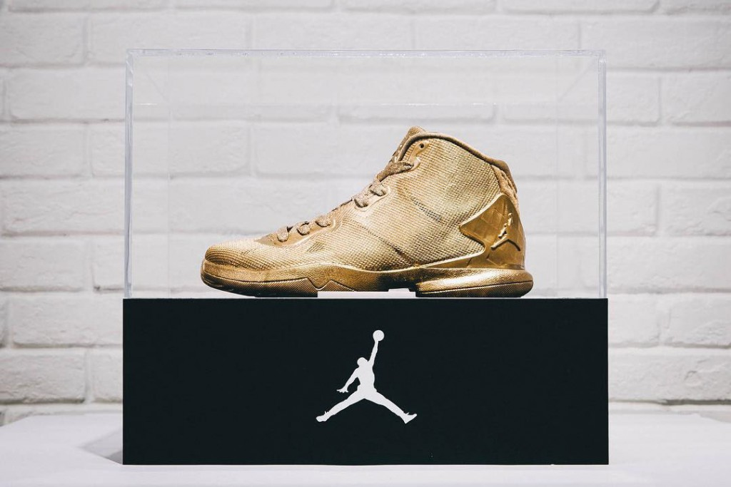 23-karat-gold-jordan-super-fly-4-1