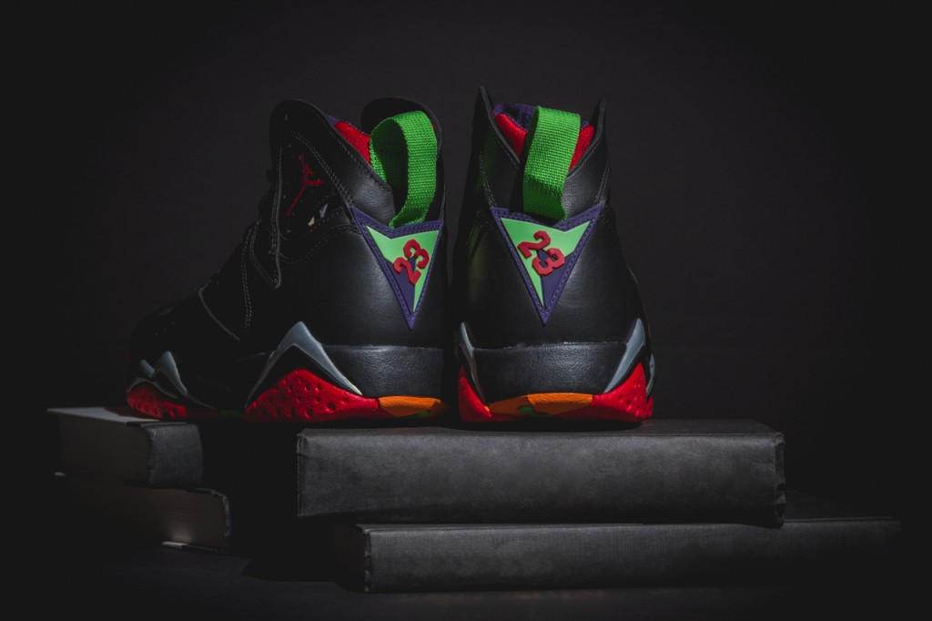 a-closer-look-at-the-air-jordan-7-retro-marvin-the-martian-5
