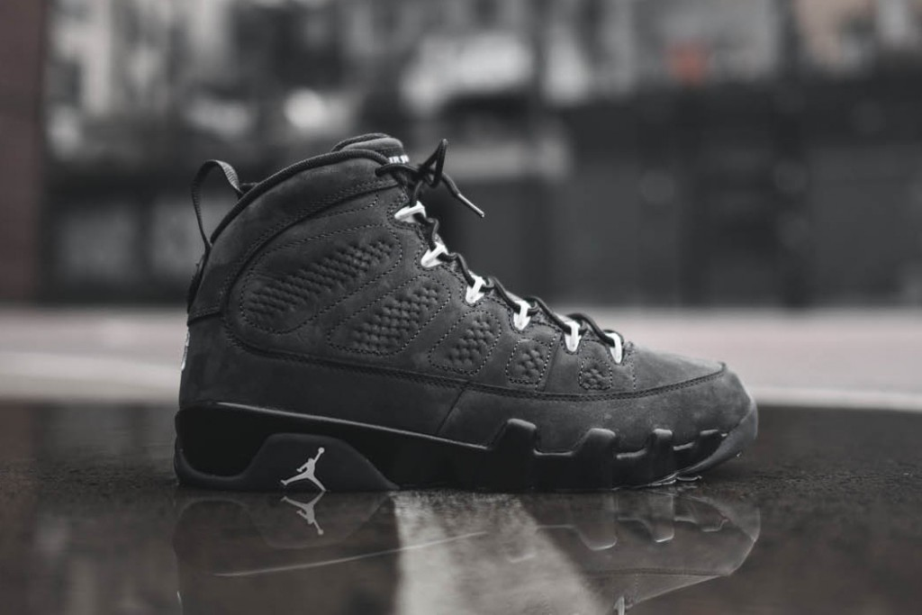 closer-look-air-jordan-9-retro-anthracite-1