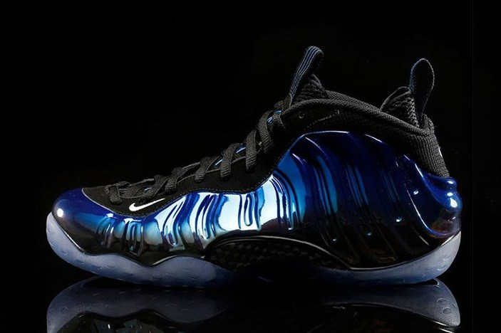 nike-air-foamposite-one-blue-mirror-1