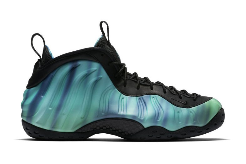 nike-air-foamposite-on-premium-as-qs-northern-lights-1