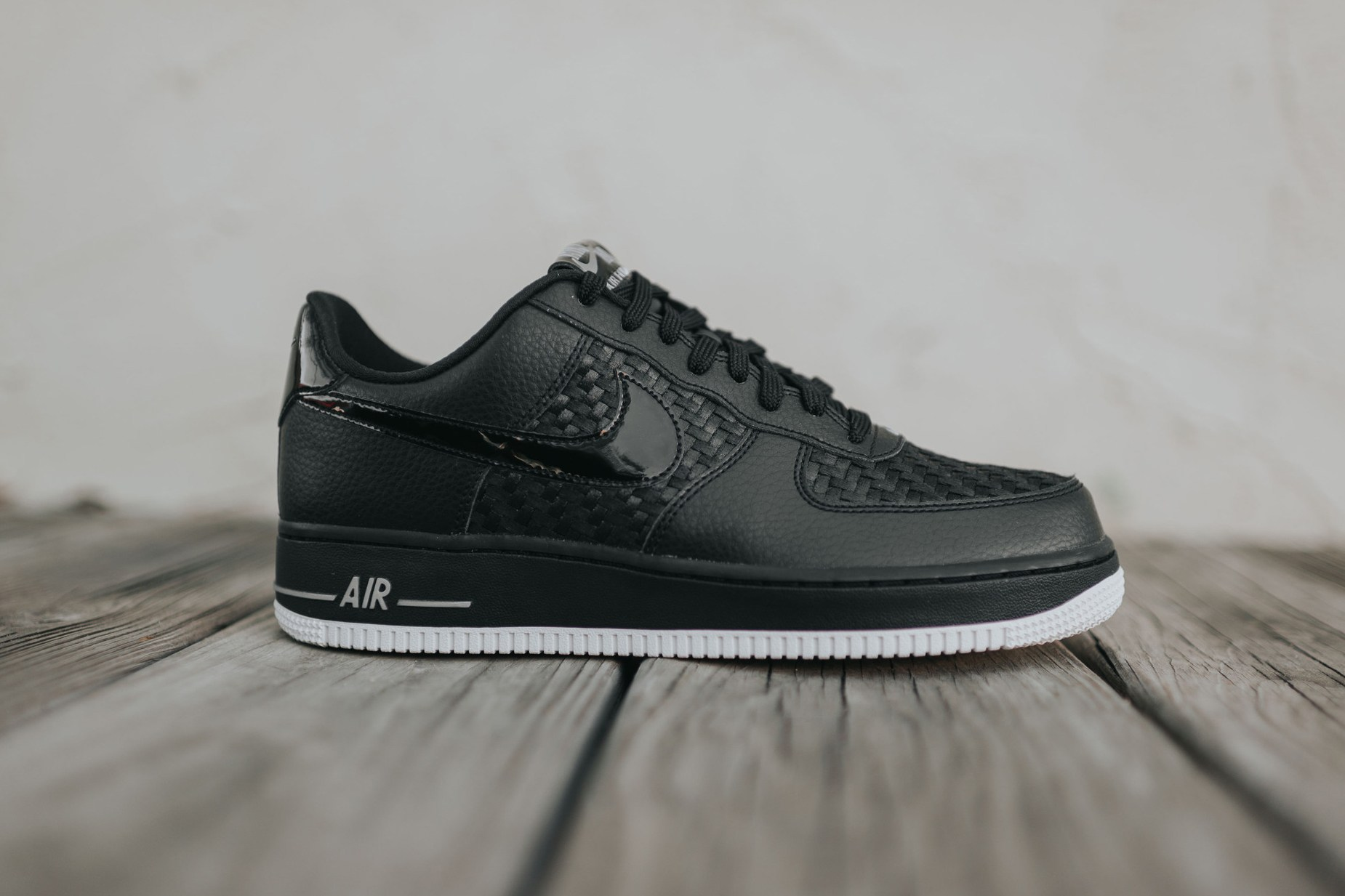 nike-air-force-1-low-07-lv8-woven-1