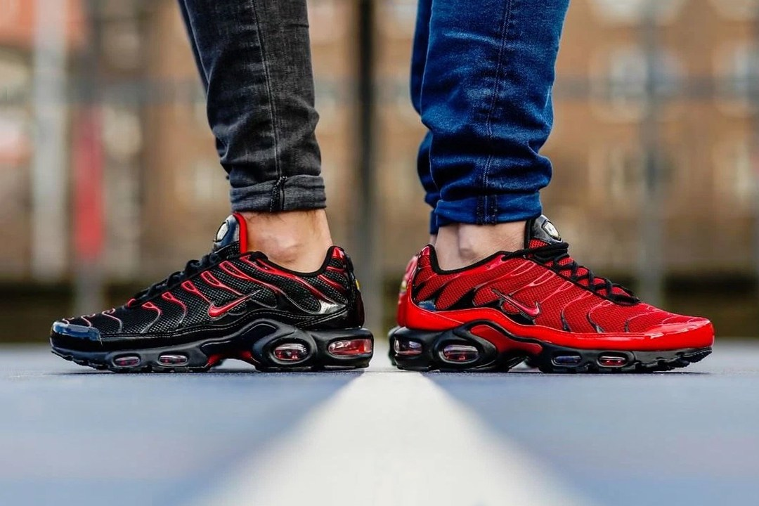 nike-air-max-plus-tn-love-hate-sneaker-pack-000001