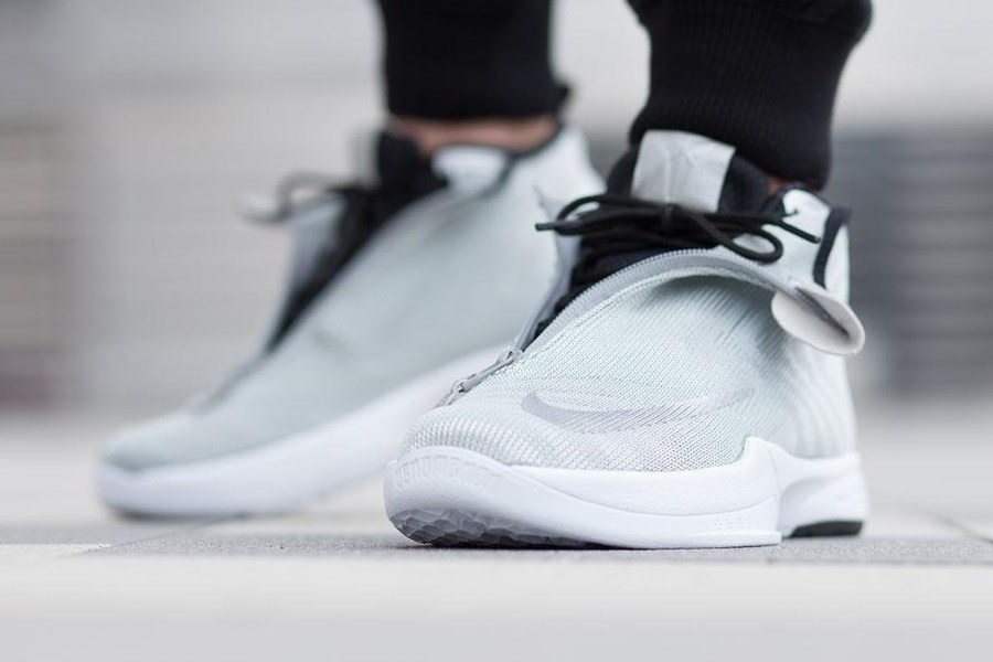 a-closer-look-at-the-nike-zoom-kobe-icon-jcrd-prm-metallic-silver-2