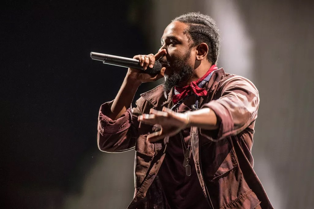 kendrick-lamar-jams-out-hard-during-his-panorama-festival-performance-1