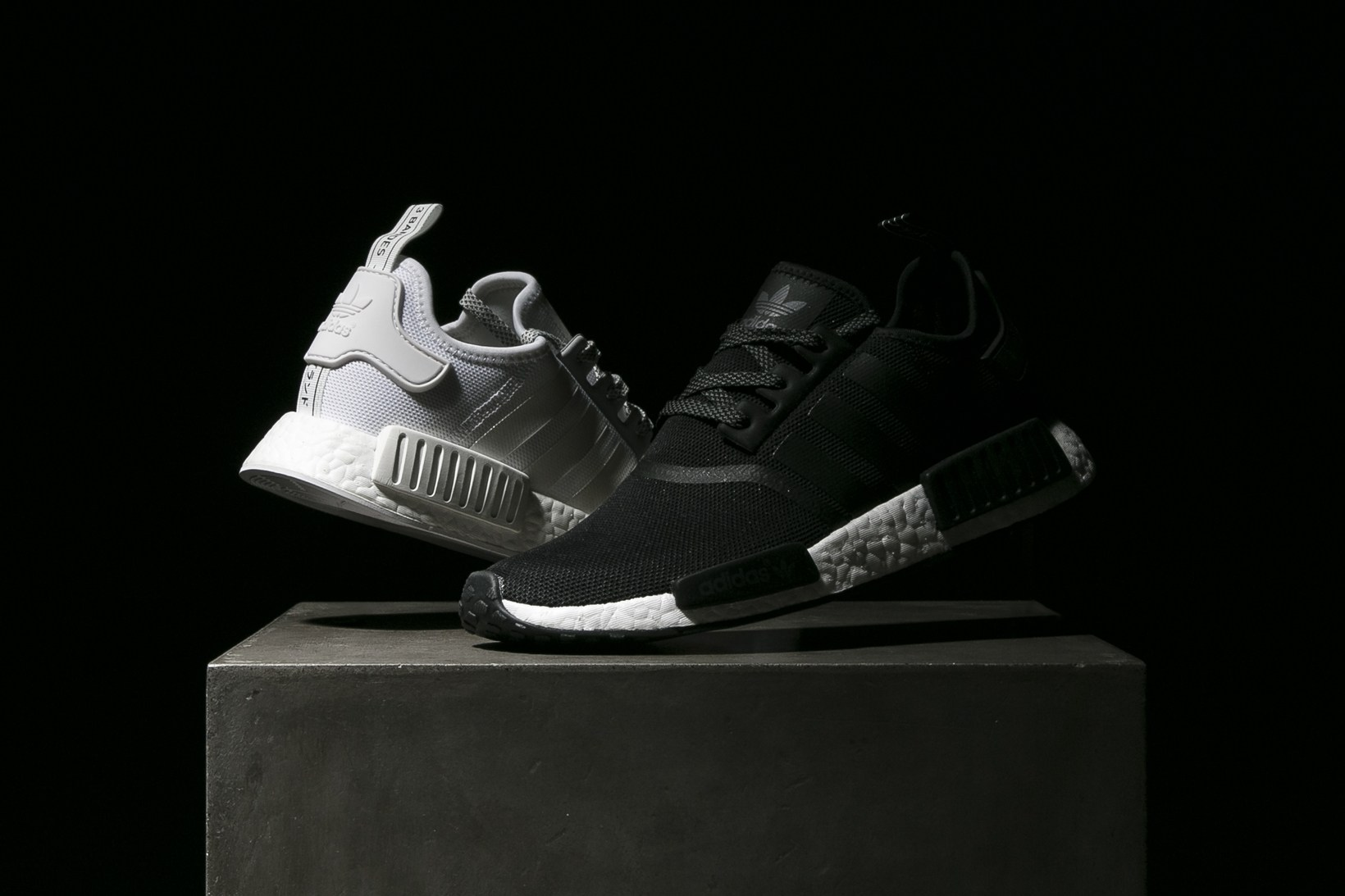 adidas-nmd-r1-core-black-white-reflective-1