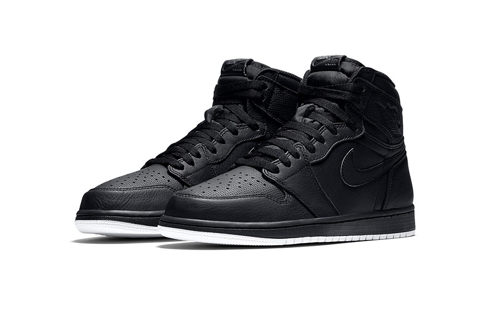 air-jordan-1-retro-high-og-black-perforated-6