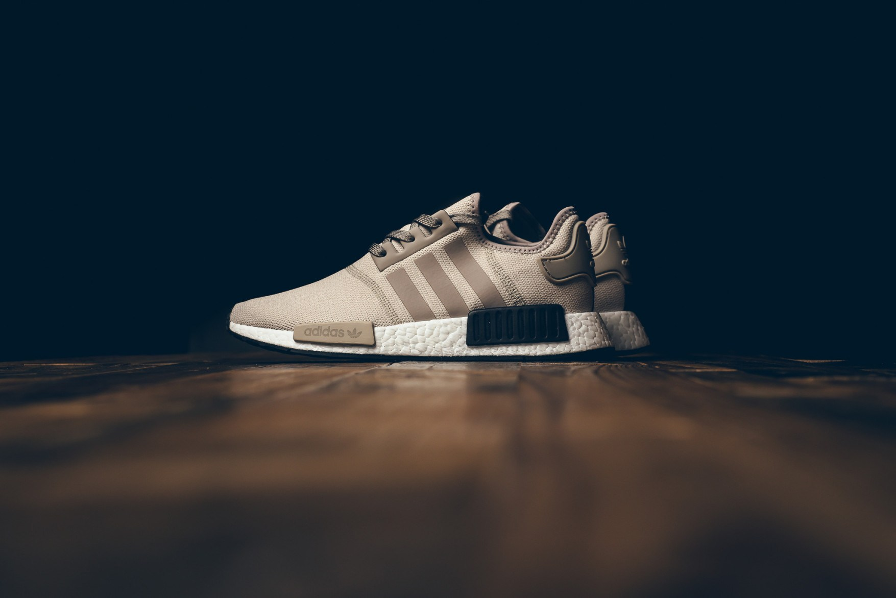 adidas-originals-nmd-r1-khaki-brown-1