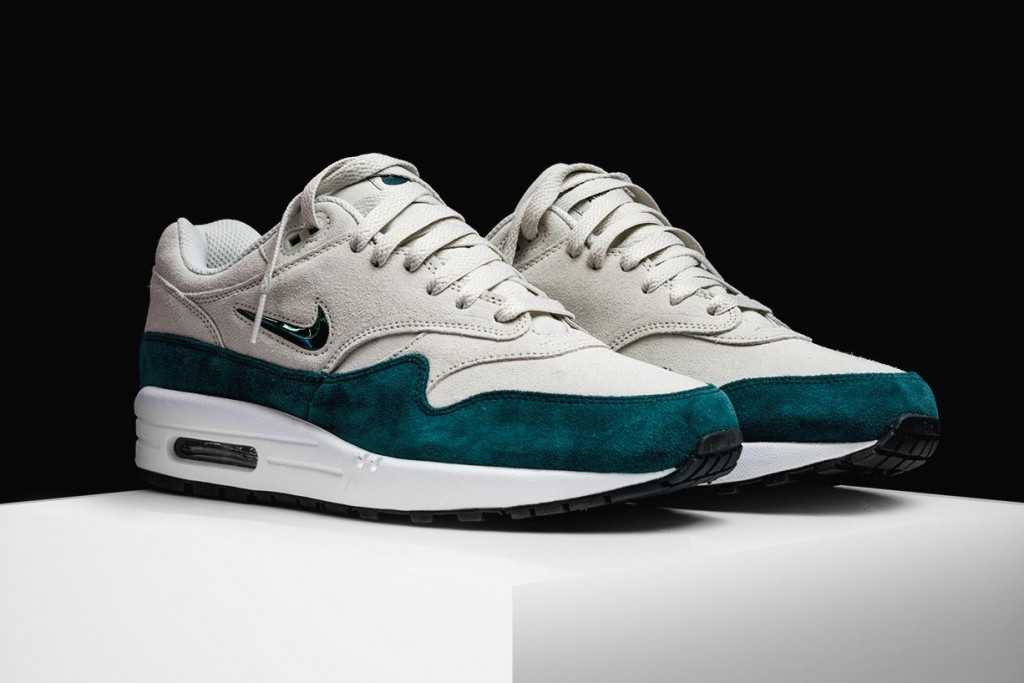 "new product 9c1d7 18834 This time around, the Air Max 1 Jewel gets fitted in ""Atomic Teal"" — a luxe  iteration that boasts an off-white suede upper, a teal suede mudguard and a  ..."