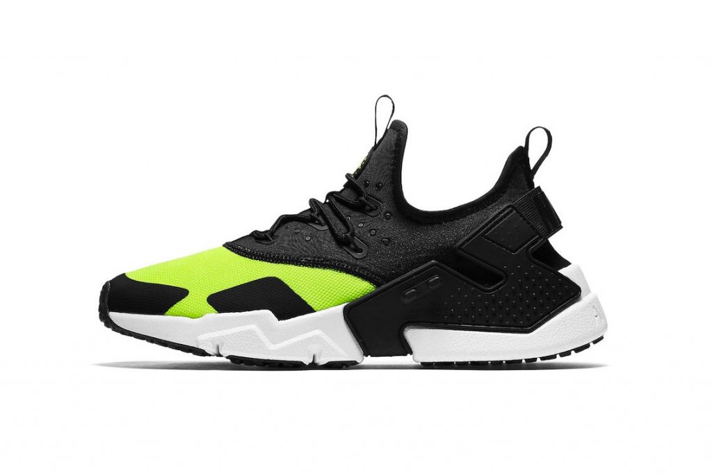 "c9cba084ecf Black and Volt coloring is next to make its way onto the Nike Air Huarache  Drift. Following an iteration that shares contrasting coloring in addition  to "" ..."